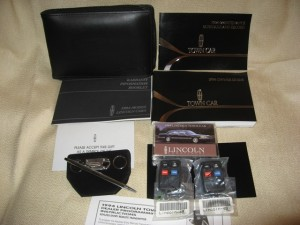 1994_Lincoln_Town_Car_Owners_Guide_Kit
